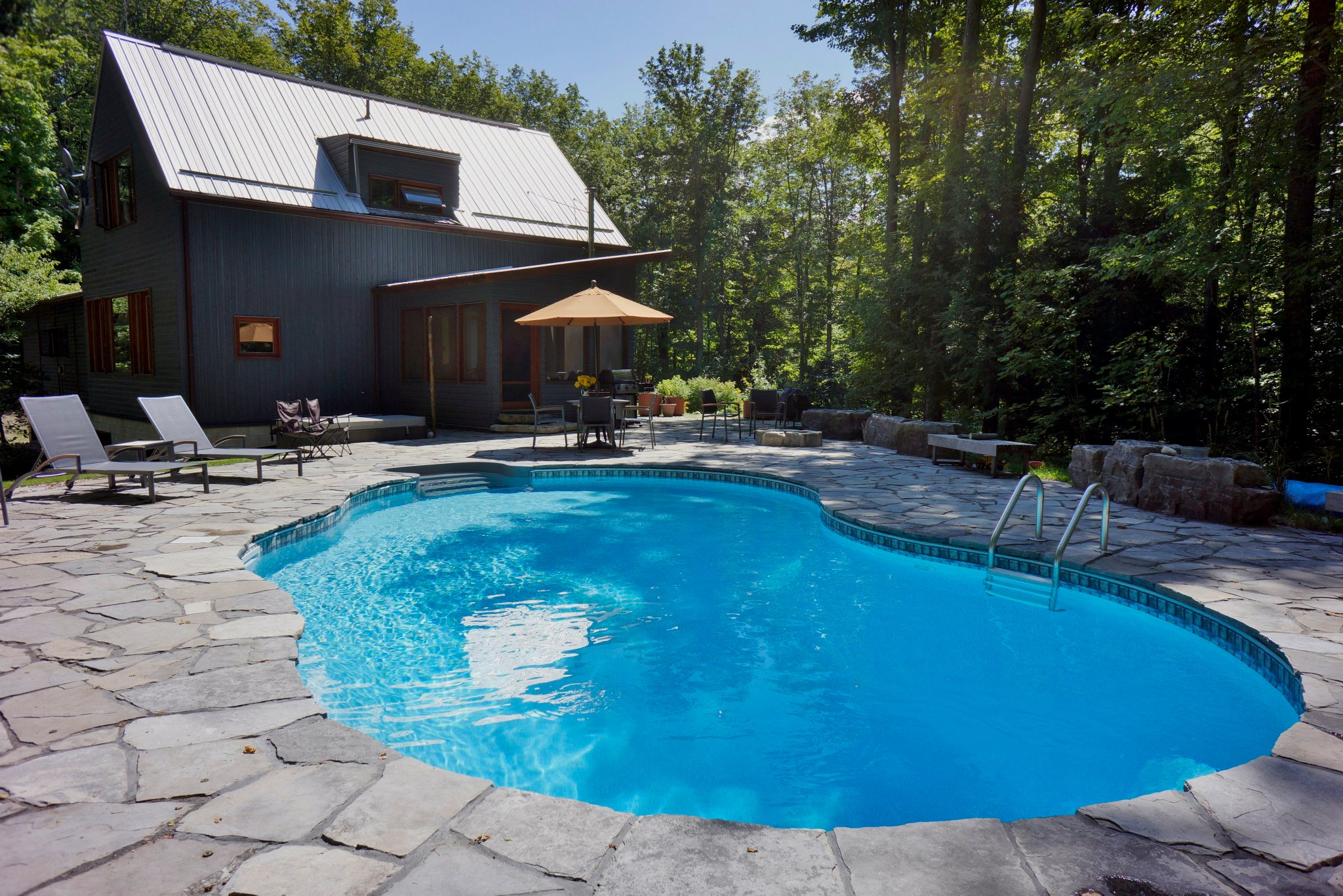 Solar swim orangeville pools and hot tubs for Pool installation